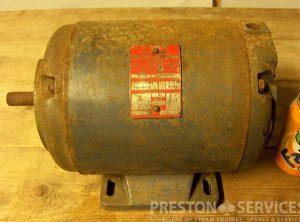 DYNAMO 15 Amps, 110 Volt D.C.
