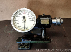 FOUNDOMETERS Ltd 0-700 r.p.m. Revolution Counter (Tachmeter)