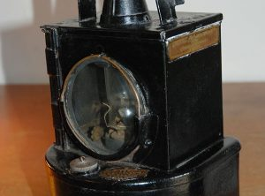 Railwayman's Lamp, Single