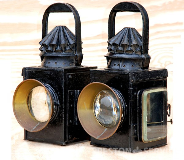 Lamps_EliGriffiths_NS_1