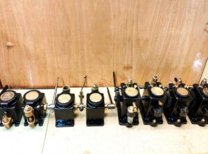 DUNBAR & SLATER Mechanical Lubricators